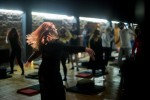 See Seri de meditatii active: OSHO Kundalini Meditation details